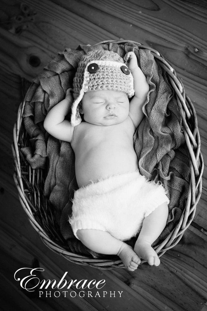 baby-in-basket-adelaide-baby-photographer-embrace-photography