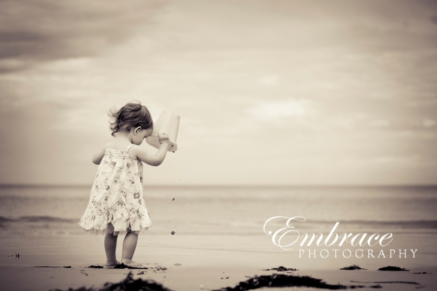 girl-beach-adelaide-family-photographer-embrace-photography