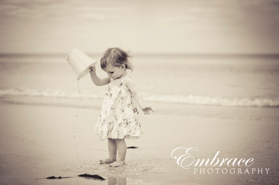 girl-fun-adelaide-family-photographer-embrace-photography