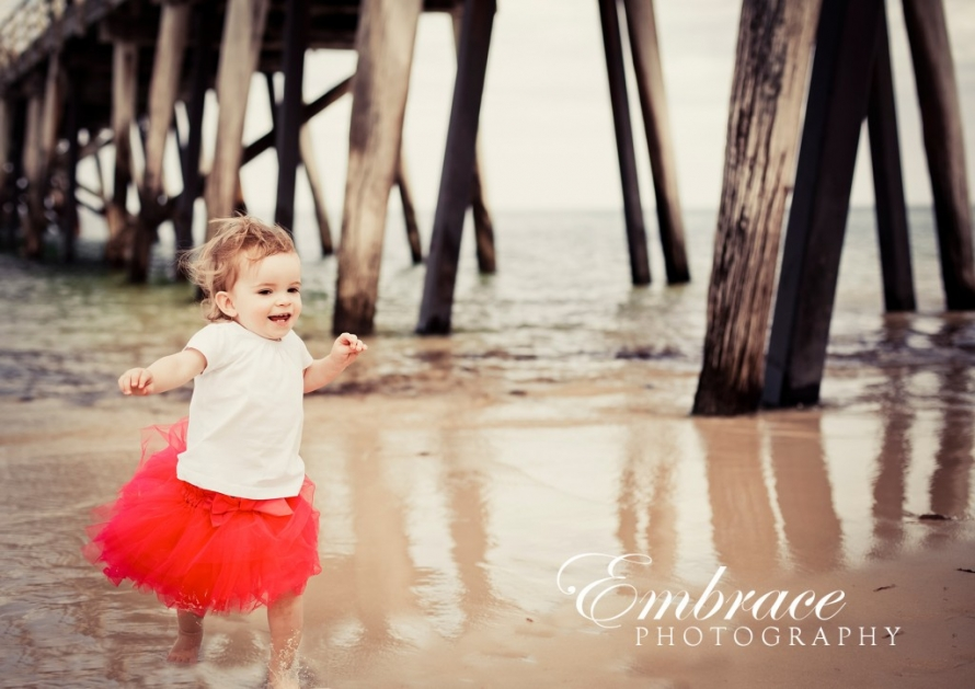 girl-fun-jetty-adelaide-family-photographer-embrace-photography