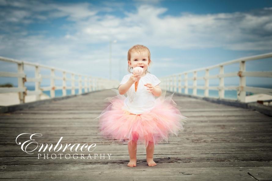 girl-icecream-beach-adelaide-family-photographer-embrace-photography